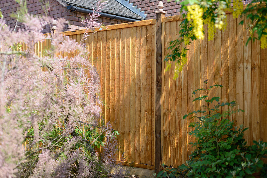 A vertical panel with fine sawn timber re-engineered with fine sawn timber for a premium finish, this closeboard panel uses 100mm square edged boards and is pressure treated golden brown providing strength and longevity in use.