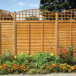 This fine sawn, heavy duty trellis is ideal for using in conjunction with fencing and pergolas. Pressure-treated in golden brown colour treatment.