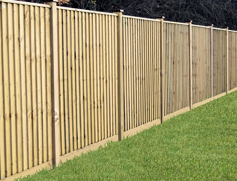 Single featheredge boards and used to create a continuous run of fencing to suit an exact size, creating an illusion of a larger garden. Featheredge boards are pressure treated green to provide protection against wood rot.