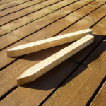 The fixing spike can be used in numerous garden applications from securing log edging to defining building plots. Crafted from sturdy pressure treated timber in a natural finish.