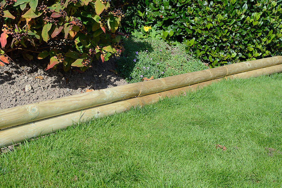 The Horizontal Log Board is ideal for border edges or for creating small boundary fencing. Supplied in rigid shorter lengths and provides a straight edge where a long run is required. Pressure treated to ensure protection against wood rot and decay.