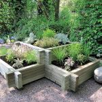 This corner planter is ideal for growing plants and herbs in separate compartments. Its two-tier design creates different visual levels for a more stylish look, making it easy to fit into those hard to fill corners. The pressure treated timber provides extra resilience to fungus and rot.